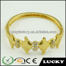 Gold plated low price country fashion trends bracelet