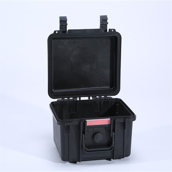 Tsunami Plastic Reloading Cases/Electronic Equipment Case
