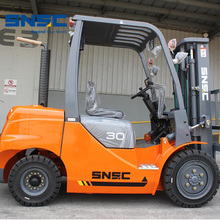 durable quality 3ton diesel forklift truck with high exhaust