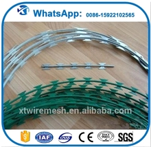 Hot dip galvanized razor wire prison fence from sharp razor barbed wire factory