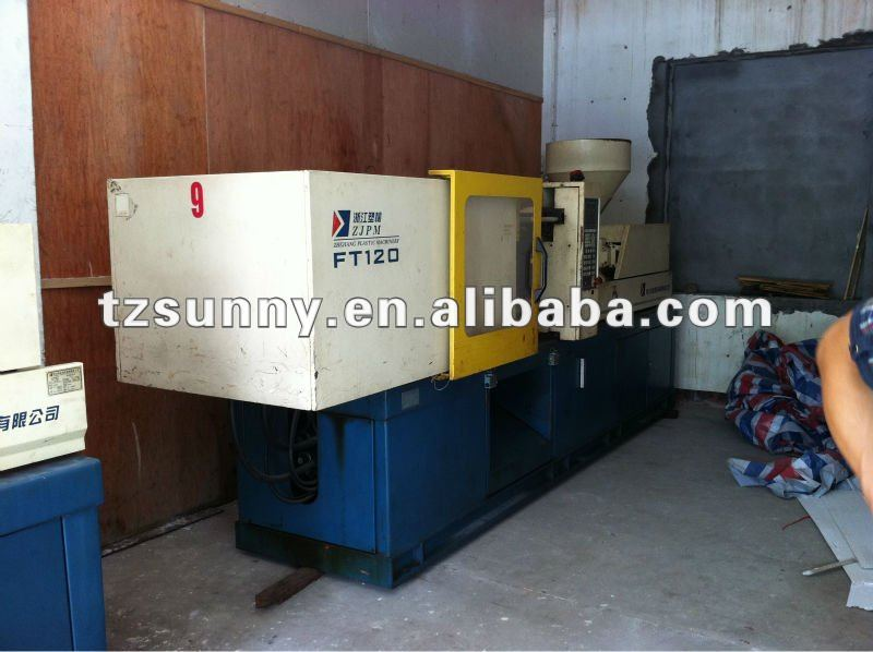 Used plastic injection machine 90% New