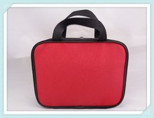 China Cheap Lady Large Capacity Red 600D Polyester Travel Makeup Pouch With Zipper