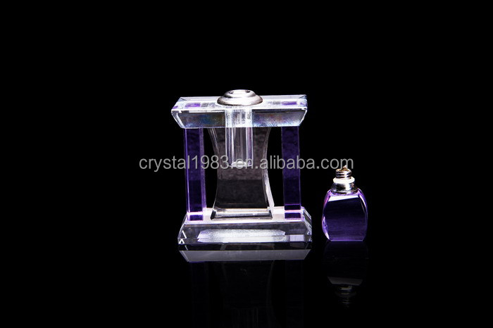 2016 Hot Selling Fan-Shaped Cap Custom Design Crystal Perfume Bottle 14-65