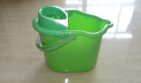 Plastic cleaning mop bucket with wringer without wheel