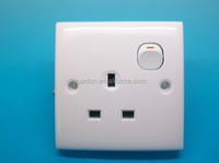 British Standard 1 Gang 13A Switched Socket