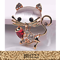 Fancylove Jewelry nice cat love fish brooch high quality opal women dresses decoration