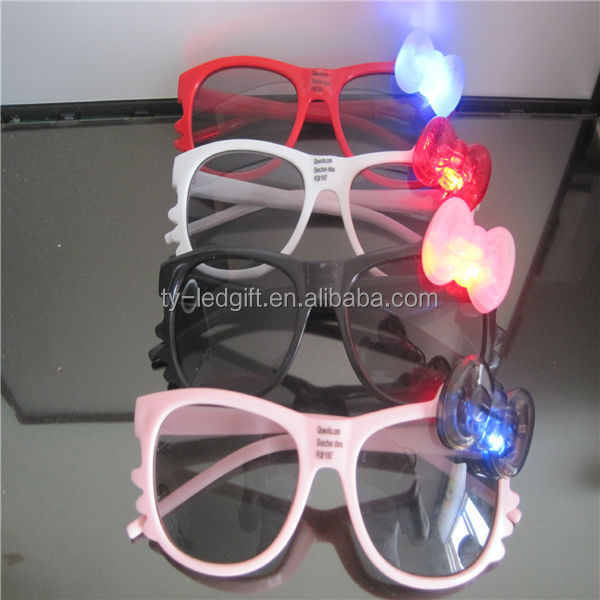 Led glasses Children flash gifts The shutters hearts glasses