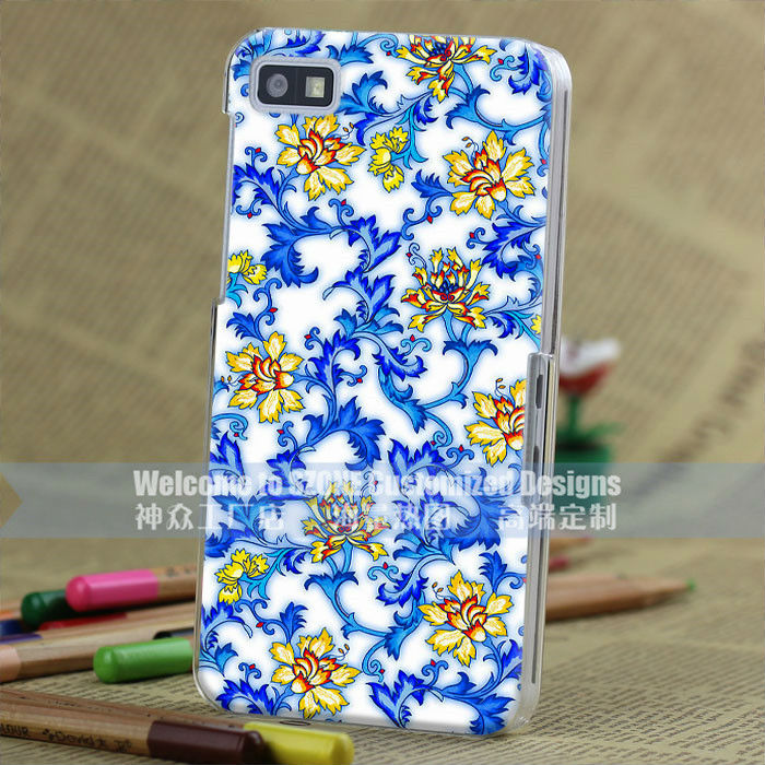 high quality Factory price 3D embossing blue and white porcelain design PC transparent side case for Blackberry z10 case