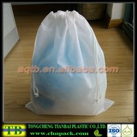 white color non woven drawstring laundry bag