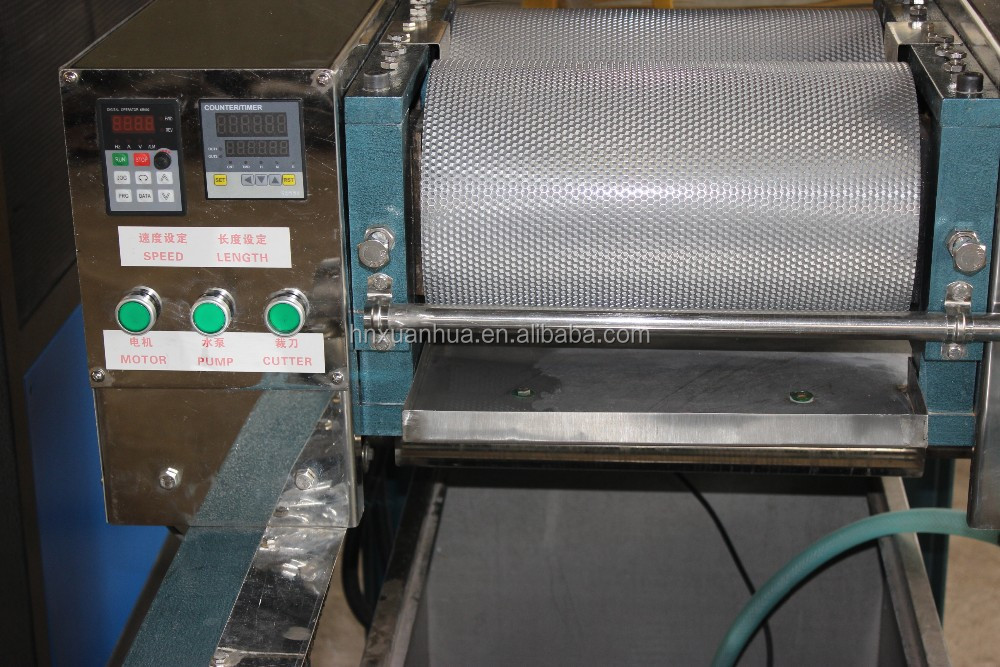 Chinese Newly Developed Full Automatic Beeswax Foundation For Honeycomb Beeswax Sheet With Roller Lengh 450mm