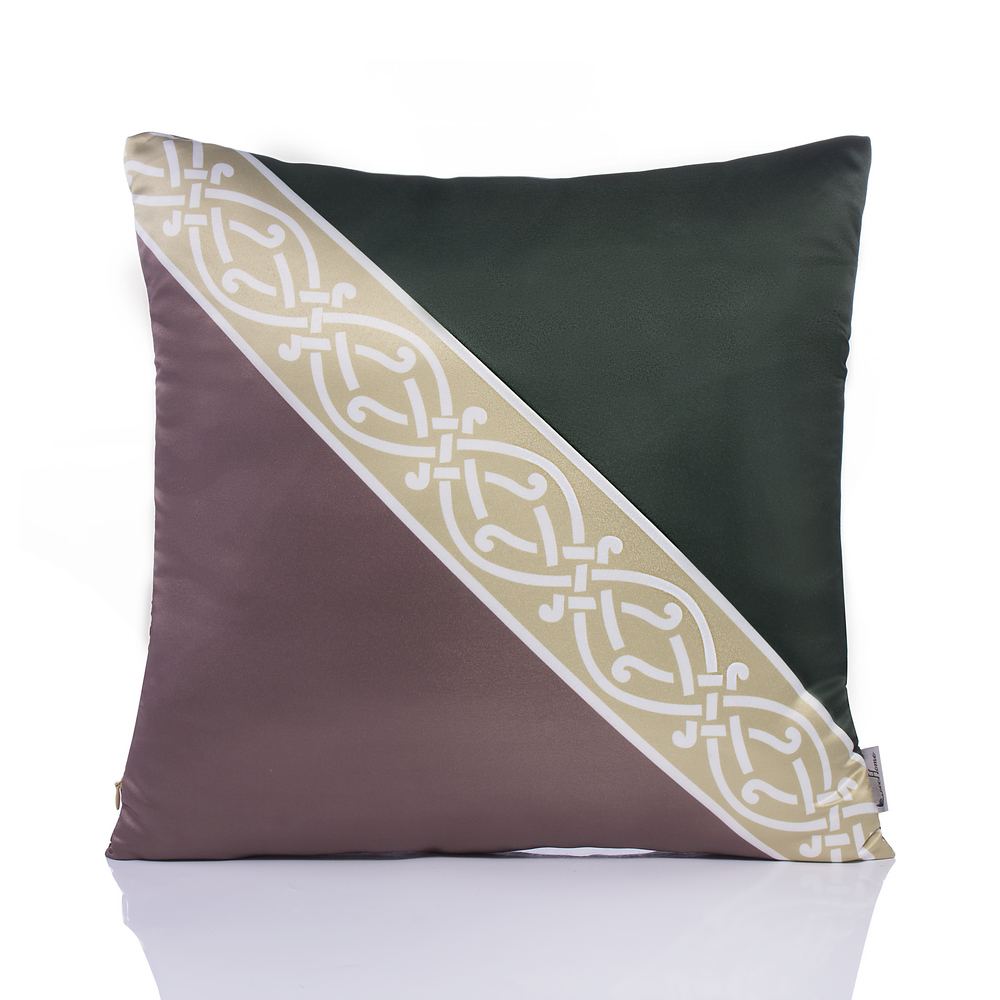 WL943 High precision fabric printed cushion with ribbon