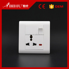 white PC factory OEM high quality 13a 3pin multi function universal electric wall socket