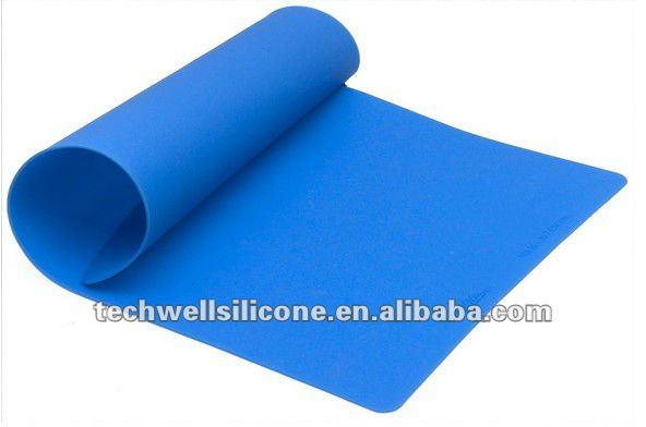 Factory sale 100% Food Grade kitchen Standard Eco-friendly whole sale silicone baking mat