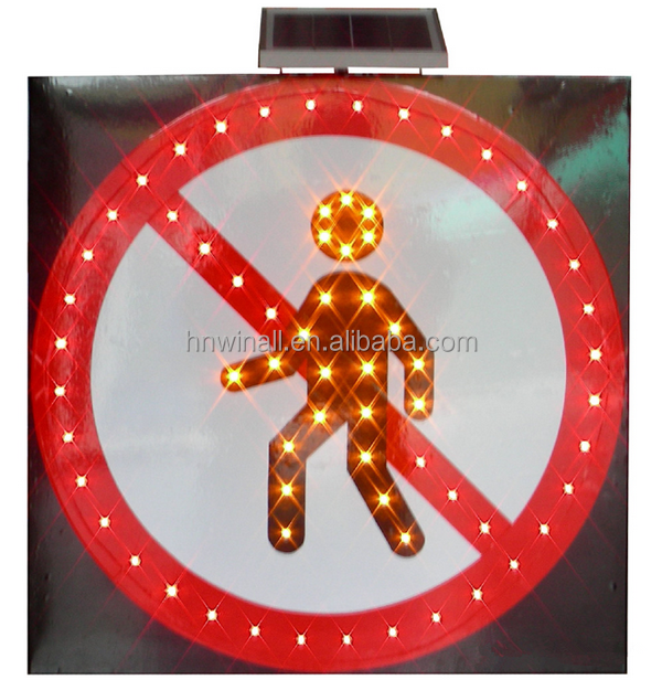 Factory sale Solar Powered LED Traffic Signal Sign