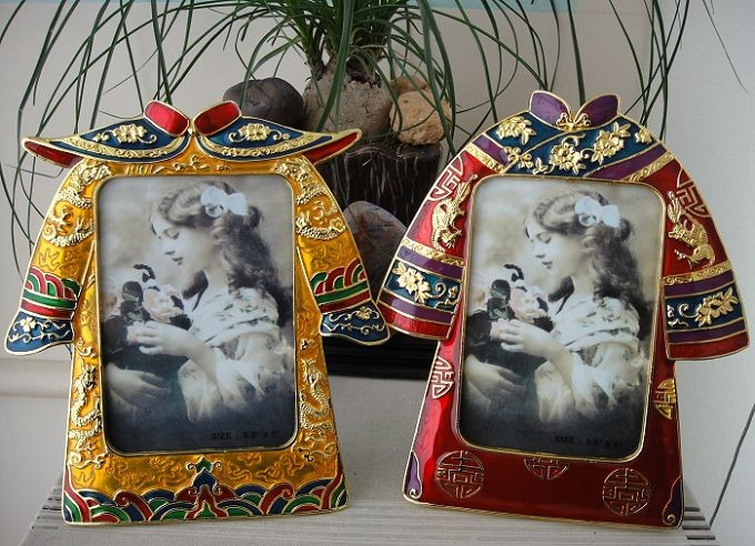 antique couple clothes shape enamel digital metal photo picture frame