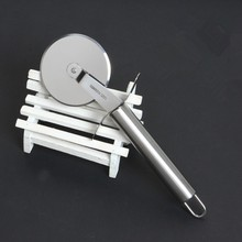 High quality stainless steel pizza wheels cutter kitchen cutting tools