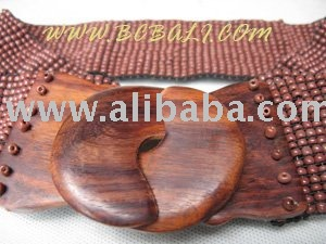wooden belt buckle beads straching brown