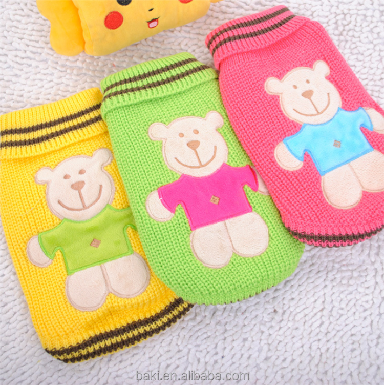 Wholesale Dog Sweater Bear Pattern Pet Clothes Winter Warm Knit Dog Clothes