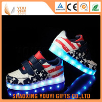Hot Sell popular design woman flashing shoes with led lights adult