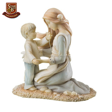 Factory custom made life size sataue resin mother and son statue