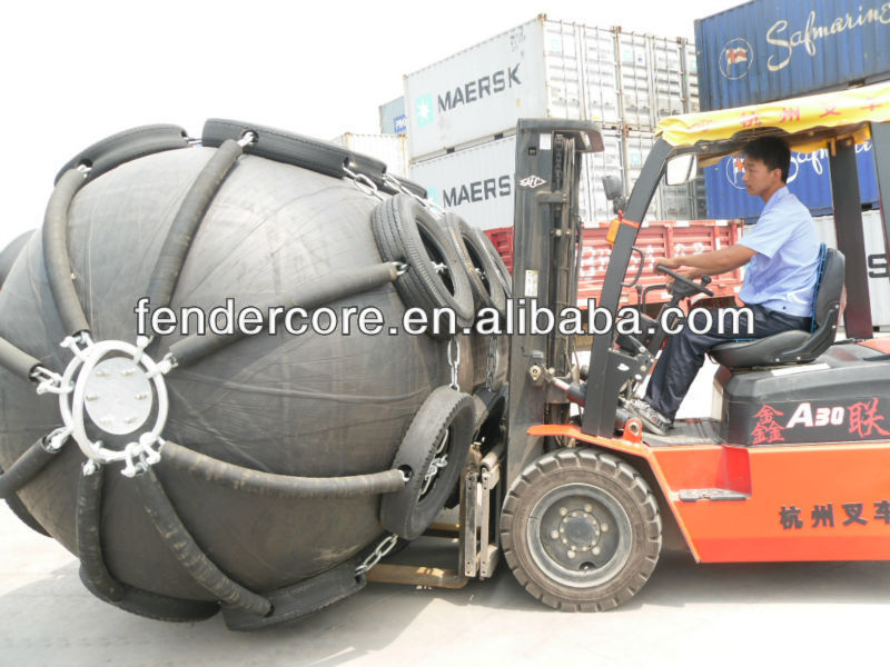 pneumatic marine fender with rubber sleeves