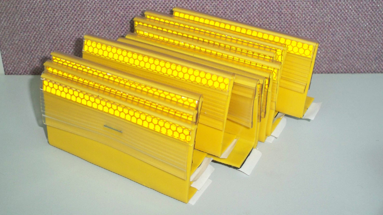 PU Temporary Standard Non-Hinged Barrier Reflectors/Road Pavement Marker