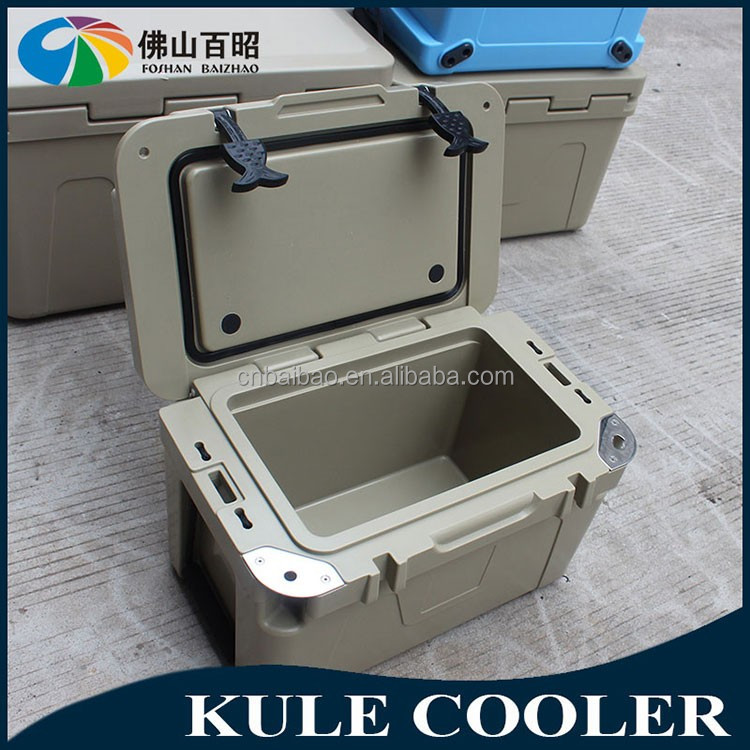 large size LLDPE food ice cooler with wheels PU foam injection by rotational molding