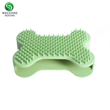 New Pet Silicone Shampoo Brush, Anti-skid Rubber Pet Mouse Grooming Shower Bath Brush Massage Comb for Long & Short Hair