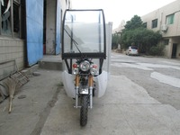 Cheap 250cc Cargo Tricycle Three Wheels Motorcycle With Cab and Cargo Box For Sale