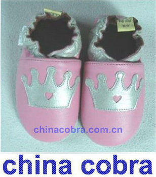 2018 CHINA COBRA newest design top quality soft sole genuine cowhide leather baby shoes