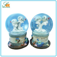 Customized new products happy day cute couple dolphins snow globes