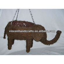 Outdoor ornament rattan woven elephant shape hanging flower planter