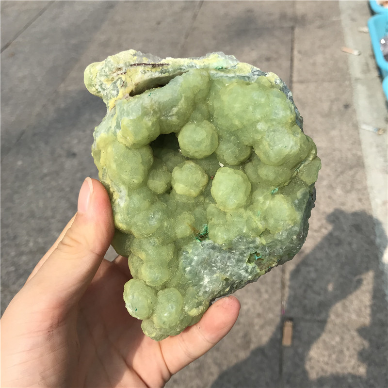 Wholesale natural Green Grape agate cluster very beautiful mineral stone crystal