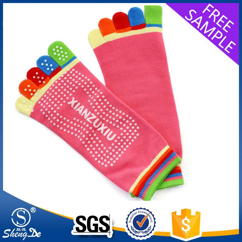 adult knit sock with rubber sole/adult anti slip sock