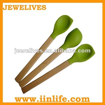 Wood handle round shape with angle silicone spoon