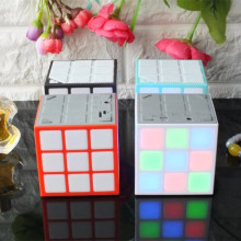 Luce della discoteca Magic Cube Design Musica MP3 canzone amplificatore n video <span class=keywords><strong>cd</strong></span> <span class=keywords><strong>altoparlante</strong></span> Senza Fili