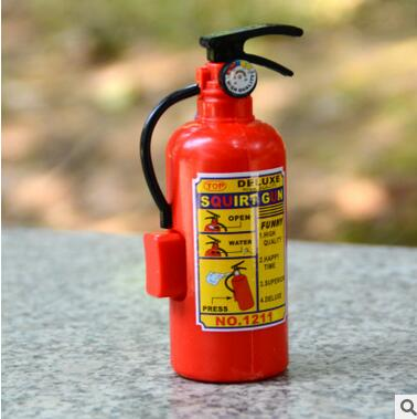 Novelty Funny Design Fire Extinguisher Shape Water Gun Gags & Practical Jokes Toys Children's Plastic Tricky Little Squirt Toy