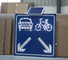 Traffic use road safety arrow shape guide sign solar led warning sign