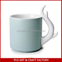 color glazed ceramic coffee mug with special handle/Famous Design Fire Handle Coffee Cups