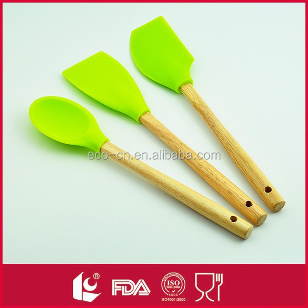 2015 new product wooden handle 3pcs silicone kitchen tool set