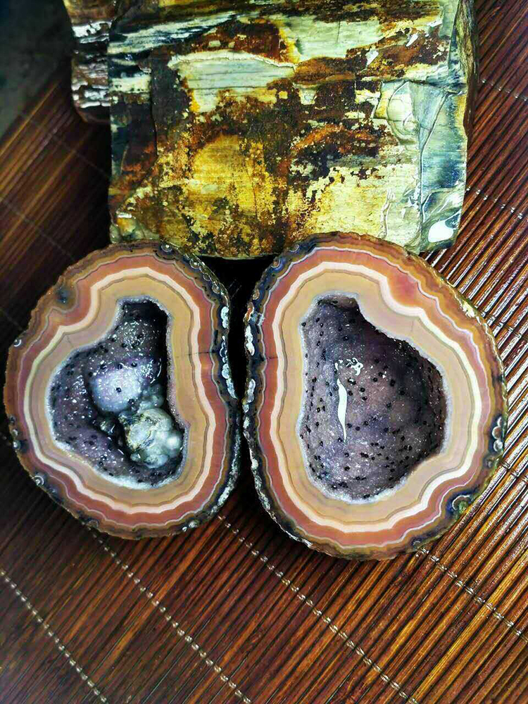 Chinese Fighting Blood Agate Pair Beipo Mines