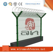 2017 decorative garden fencing Green Coated Triangle Welded Wire Mesh Fencing Supplier,curved fence panels