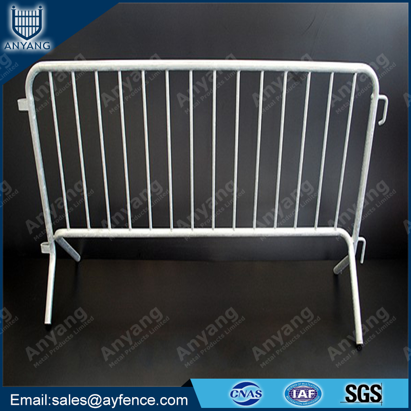 Hot Dipped Galvanized Steel Metal Crowd Control Barrier to Restrict Vehicle Access