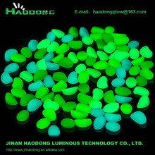 glow in the dark plastic pebble for decoration