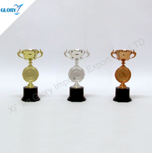 2016 Hot design cheap small trophy figures plastic for sports