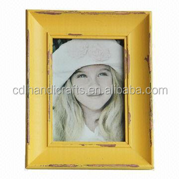 Antique Yellow 5 x 7-inch Photo/Picture Frame