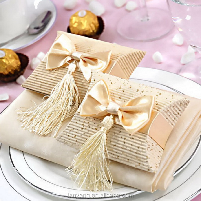 Fancy Pillow Boxes Wedding Favor Party Decoration Paper Candy Box