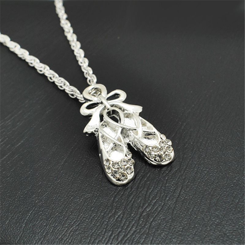 2017 Wholesale OEM Alloy Swan Pendant Necklaces with Lobster clasp#1105032