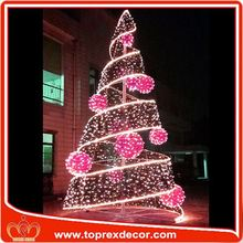 Outdoor clear plastic tree christmas ornaments