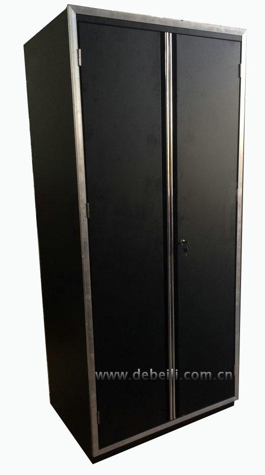 Luxury garage workshop upper cabinet and bottom tool for Best big box store kitchen cabinets